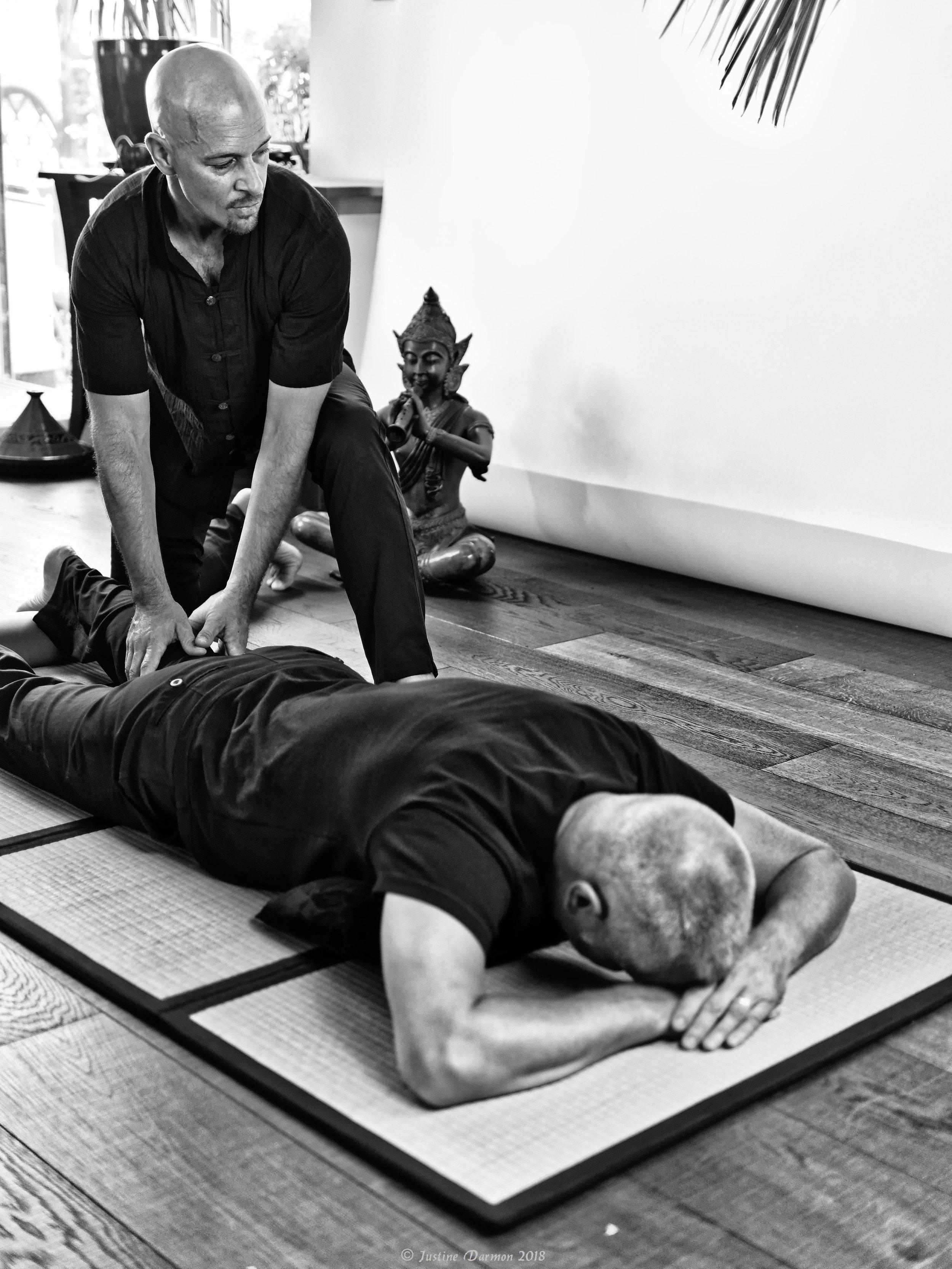 Lombalgie, cruralgie ou sciatique, le shiatsu peut vous aider à soulager vos douleurs chroniques . vital shiatsu Arles 13