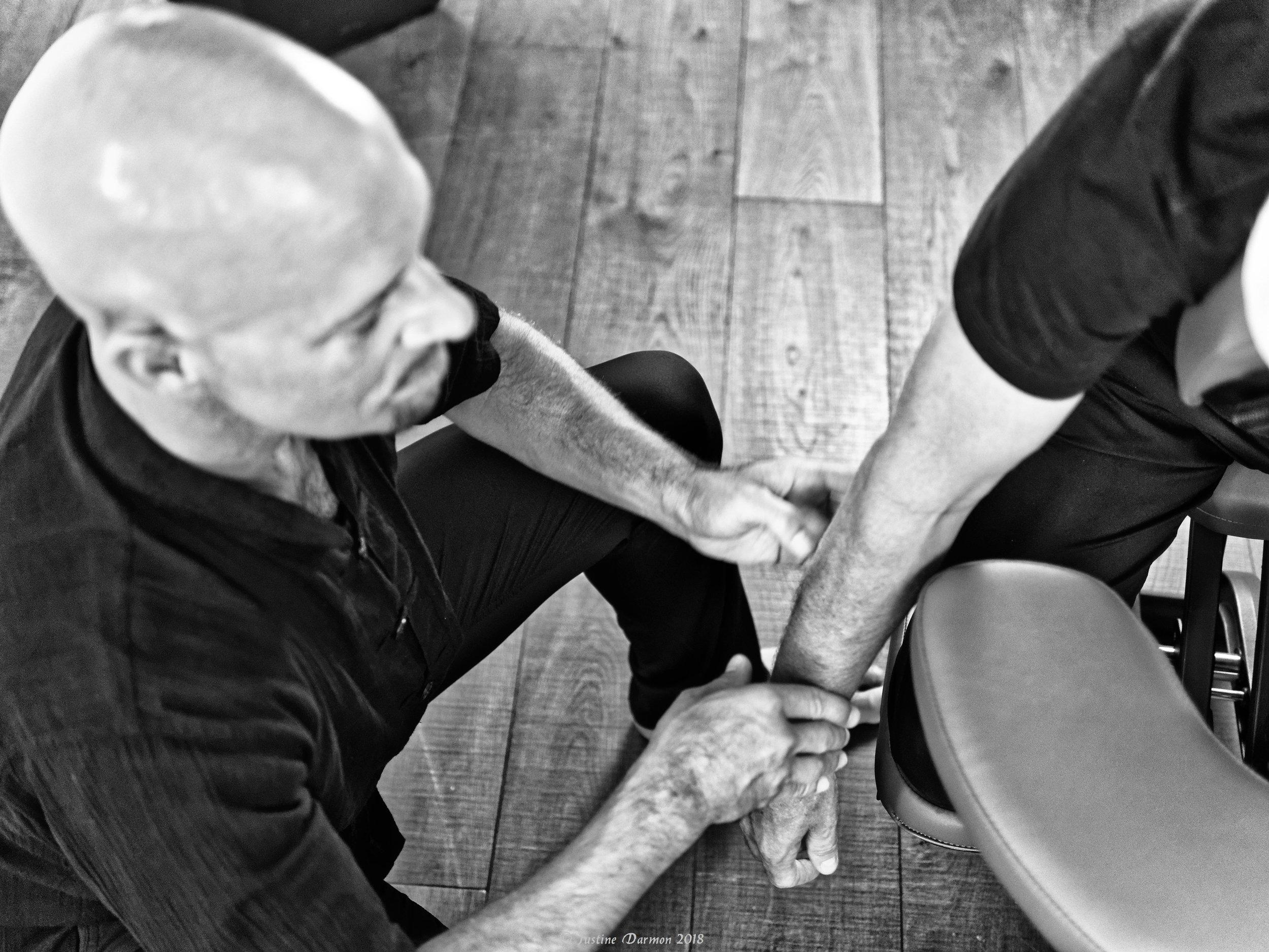 bien-être au travail, prévention, troubles musculo-squelettiques. Pensez au shiatsu! . Cédric Peretou, vital shiatsu 13 Arles