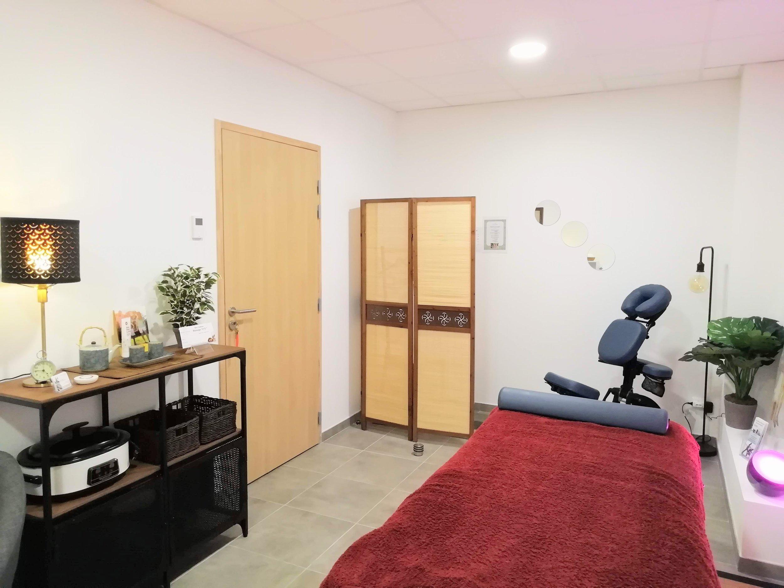 Séances de shiatsu sur table de massage, futon ou chaise ergonomique . vital shiatsu Arles 13 . Pôle Santé Camargue . 13200 Arles