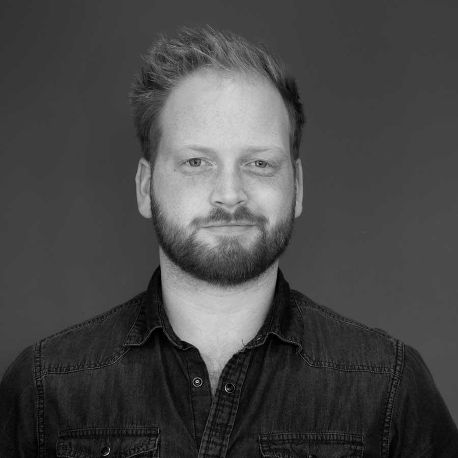 Justin Deddens |Building Technologist - justin@sitelines.ca