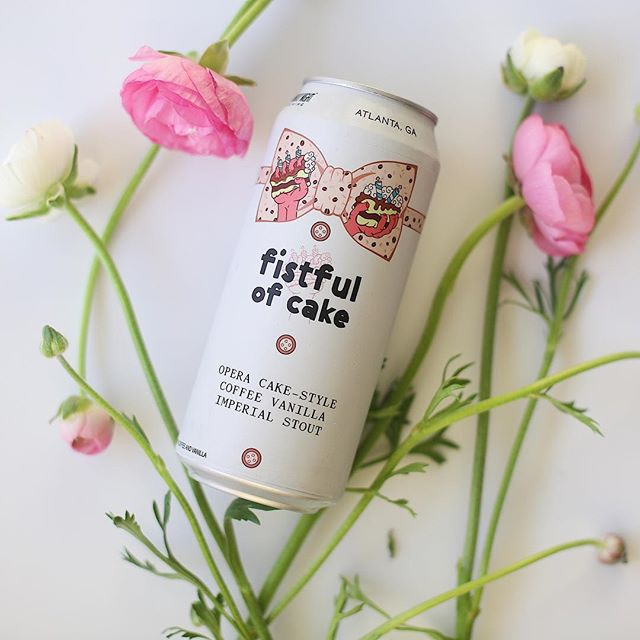 Temperature has dropped 20 degrees and I'm over here pretending it's spring.  #weloveatl #localbusiness #brewery  #atlanta #beer #flowers #foodphotography