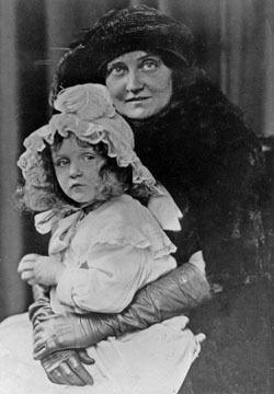 Hollyhock House's builder, Aline Aline Barnsdall and daughter Betty