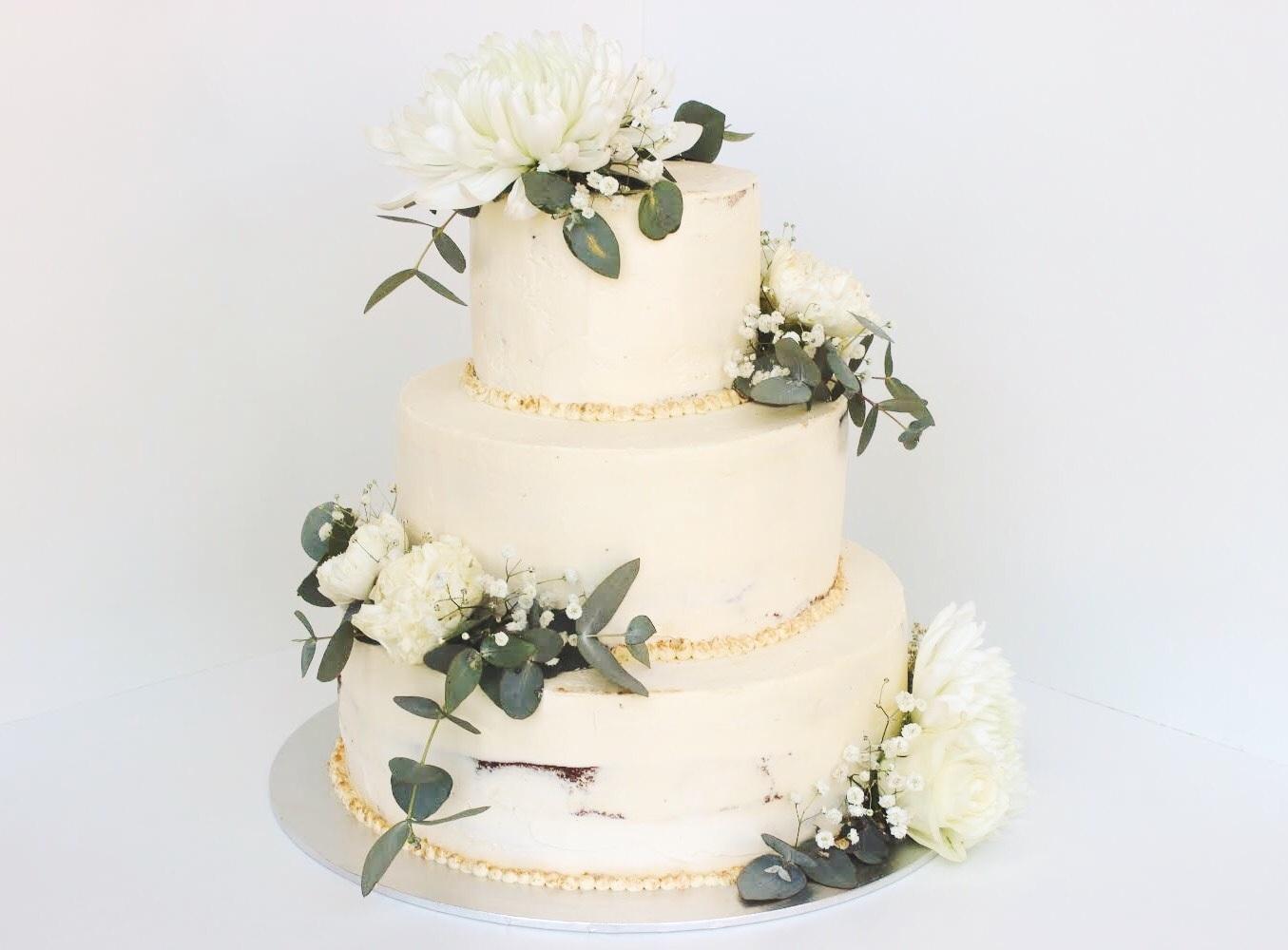 Vanilla Wedding Cake with Vanilla Cream