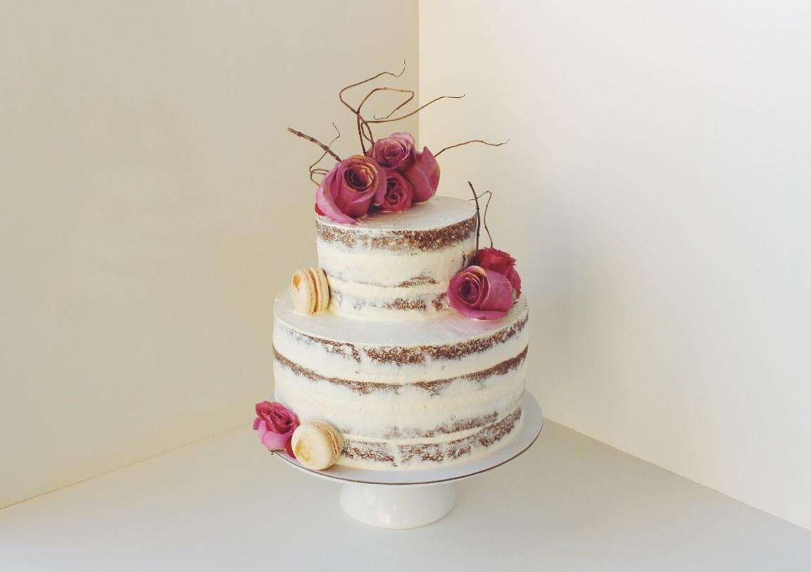 Vanilla Cake w/ Vanilla Cream