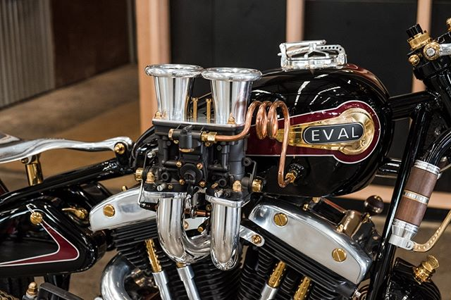 Billy Ayres 'Upheval' salt lake racer inspired v-twin. So many incredible details on this bike, but those suckers take the cake! Check out more of his work at @eval_motorcycle_co ... 📷by @jasonlphotos #thesixone #melbourne #motorcycles #custom #twowheels #bikeshow #carshow #bikeevent #carevent #harleydavidson #harley