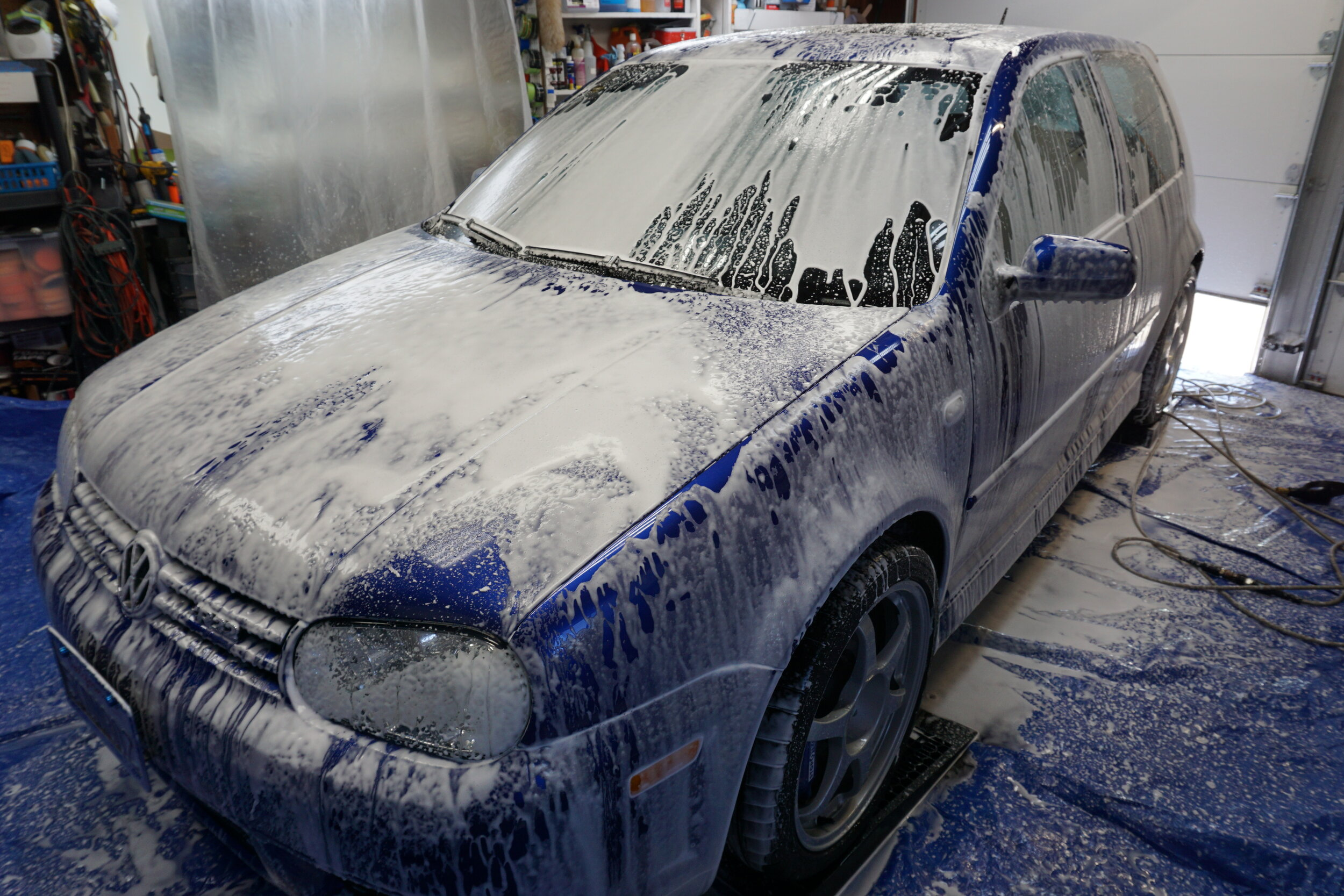 Yes, it gets snow foamed in the garage. Did you think that it wouldn't be?