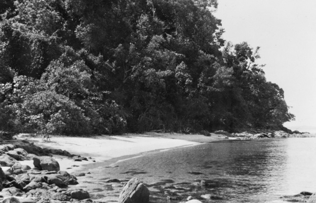 SINGAPORE STRAITS SETTLEMENTS 1943 09 OTTER BAY PALAU PANJANG ISLAND WHICH WAS USED AS A BASE BY MEMBERS OF OPERATION JAYWICK Z SPECIAL UNIT AUSTRALIAN SERVICES RECONNAISSANCE DEPARTMENT DURING THEIR SUCCESSFUL.jpg