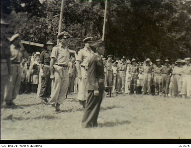 TERNATE ISLAND, HALMAHERA ISLANDS. 1945-11-09. ATTENDED BY AUSTRALIAN FORCES THE SULTAN OF ISKANDAR MUHAMMAD DJABIR, SYAH OF TERNATE MAKES A SPEECH AFTER HIS INAUGURATION. (NAVAL HISTORICAL COLLECTION).