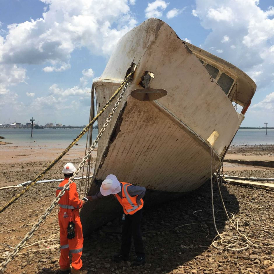 Volunteers have until the end of the month to move the ship so the pressure is on.