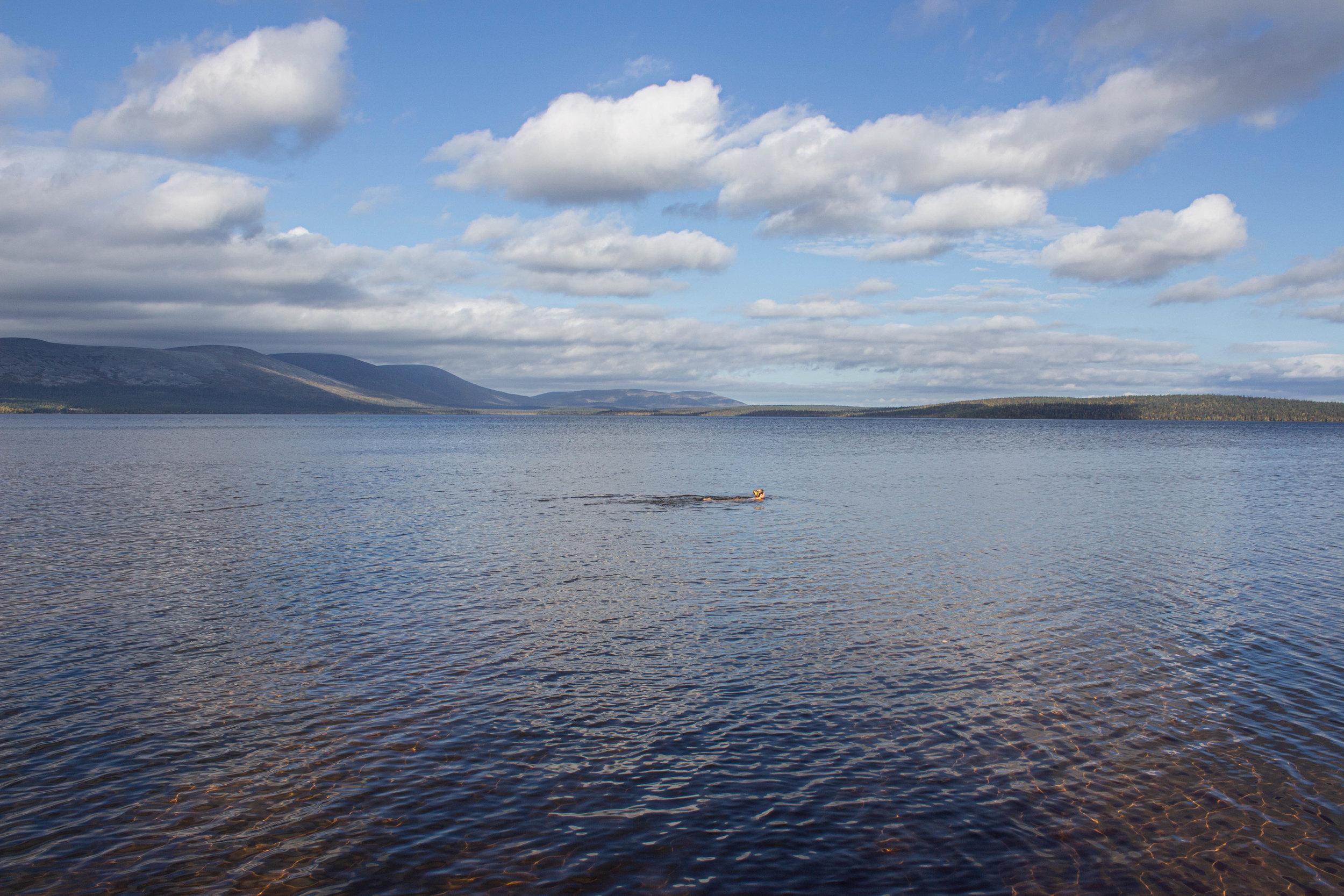 Vaelluksen jälkeisen päivän palautumista Pallasjärvellä
