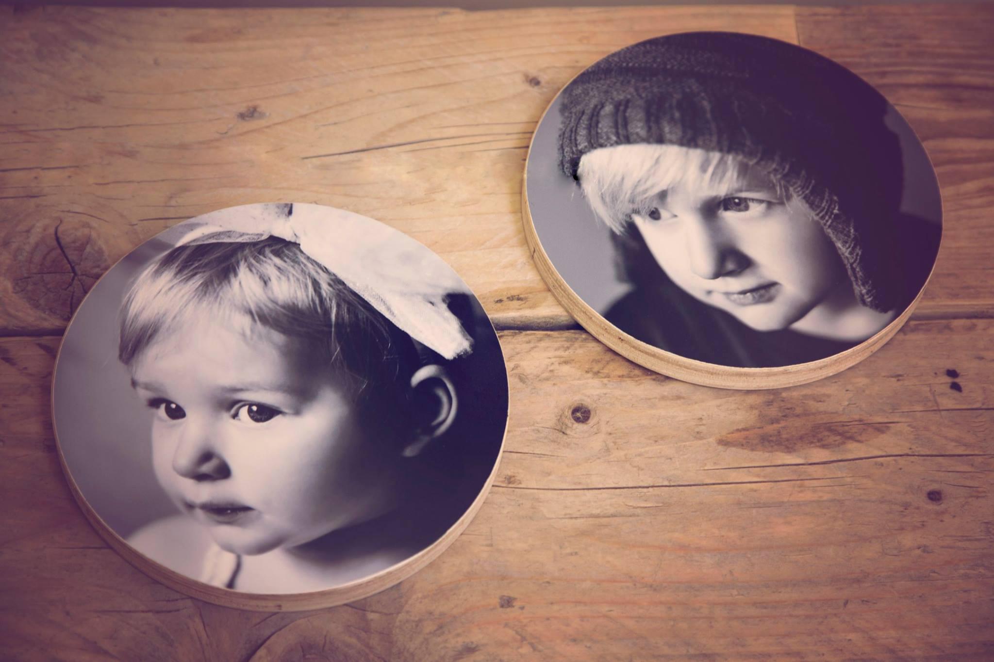 Alma en Morris op hout.jpg