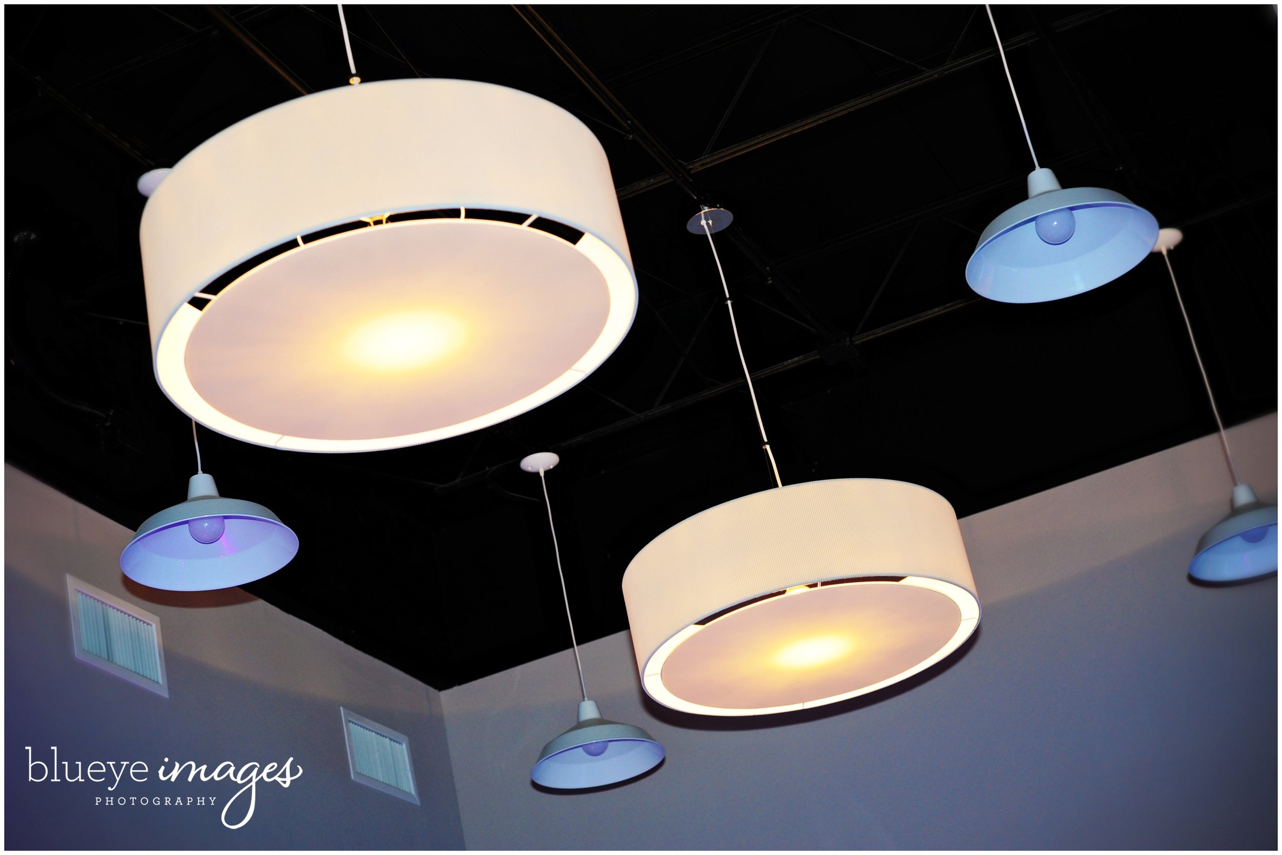 blueyeimages_aqua_sidebar0003_web.jpg