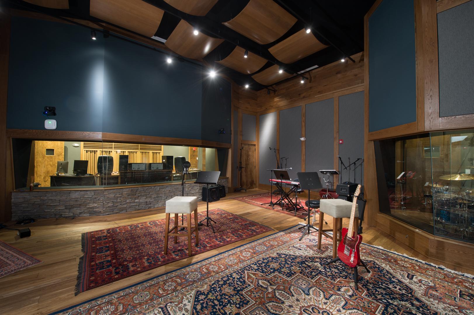 Studio-8.jpg