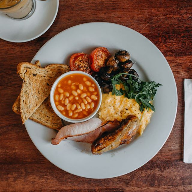 Absolutely needed today!!! The post-Ibiza recovery breakfast... photo: @me_on_sea⠀⠀⠀⠀⠀⠀⠀⠀⠀ .⠀⠀⠀⠀⠀⠀⠀⠀⠀ .⠀⠀⠀⠀⠀⠀⠀⠀⠀ .⠀⠀⠀⠀⠀⠀⠀⠀⠀ .⠀⠀⠀⠀⠀⠀⠀⠀⠀ #fullenglish #breakfast #brunch #healthychoices #getinmybelly #workhardplayhard #leighonsea #leighbroadway #thesqueezecafe