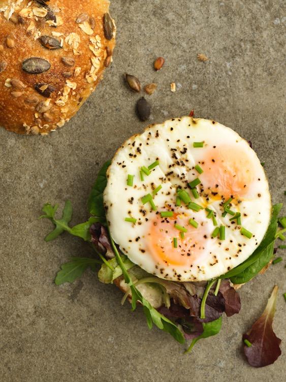 Frukost-Serveras vardagar fram till kl 11 -
