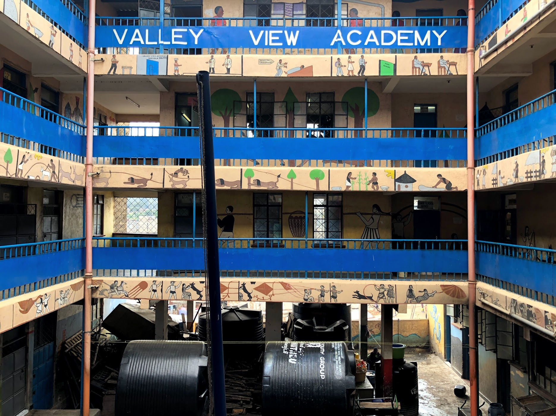 The Valley View Academy in the slum of Mathare is also home to the Futbolmas offices. It is a community school funded by the parents of the students.