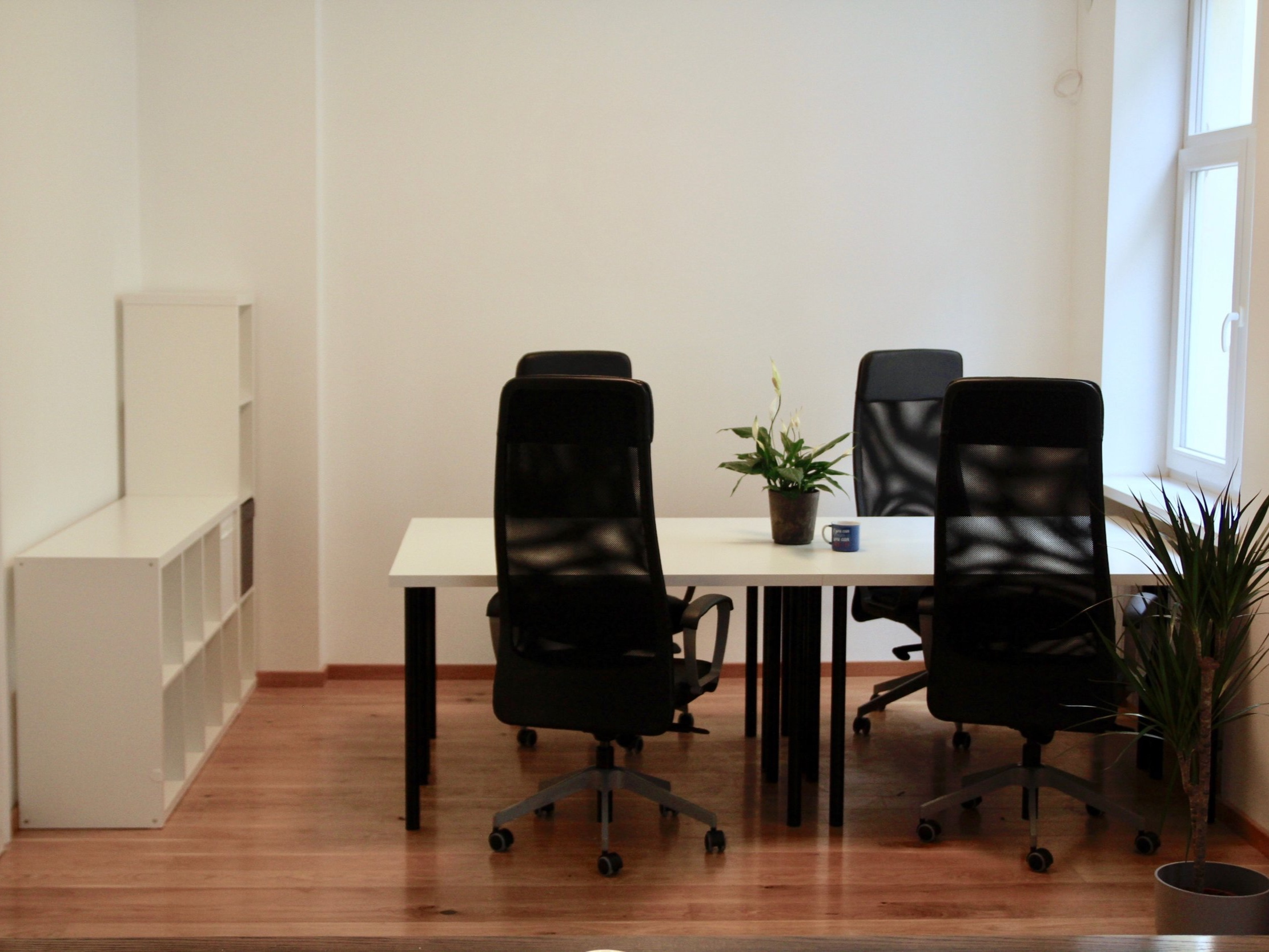 Private Office available -    Learn more   A 5 person office, available now. 42 people capacity, fully furnished, networked, w/ meeting room