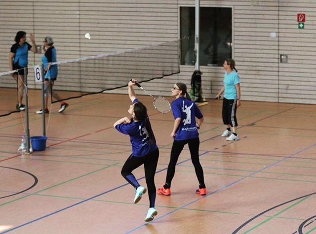 Girls in Action 💪🏻🏸 #badminton #badminton🏸 #badmintonlover #badmintonracket #badmintonplayer #girls #damendoppel #turnier #altötting #sport #competition #gameon #passion #instapic #potd ♥️🏸