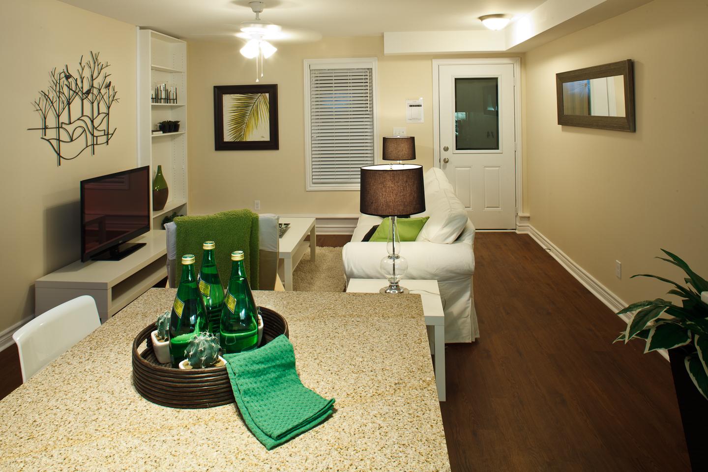 326 Alfred St. _u007c_ 3 Bedroom Suite, Living Room Photo, Looking towards front door, large, open concept.jpg
