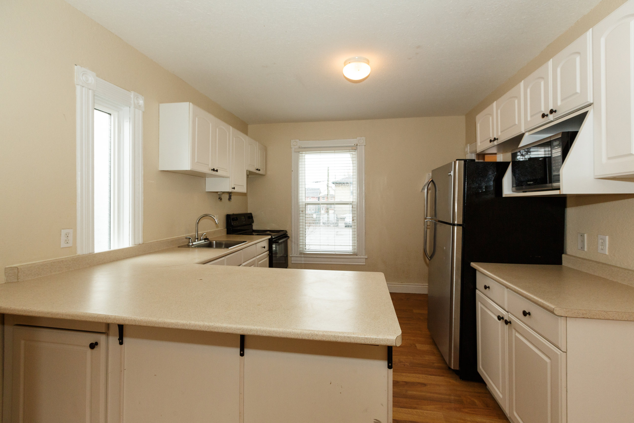 332 Brock St. _u007c_ Kitchen Photo, Full Appliances, Dishwasher, Fridge, Microwave, Stove.jpg