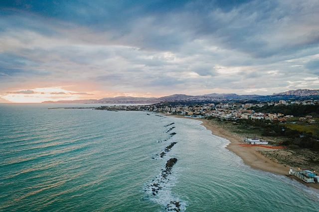 San Leone, #Agrigento, #Sicilia . . . . . #travelphotography#pureportugal#landscapes#vista#view#travel#traveller#roadtrip#aerial#drone#aerialart#depthsofearth#dronephotography#djimavic2#mavic2pro #twentyfoursevendrones#fromwhereidrone