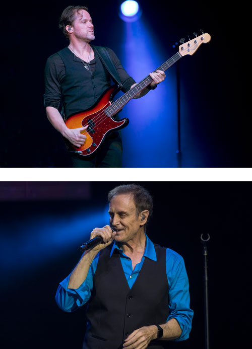 Brett Simons and Neil Donell are the first separate bassist and vocalist to be part of the Chicago lineup since the band's formation.
