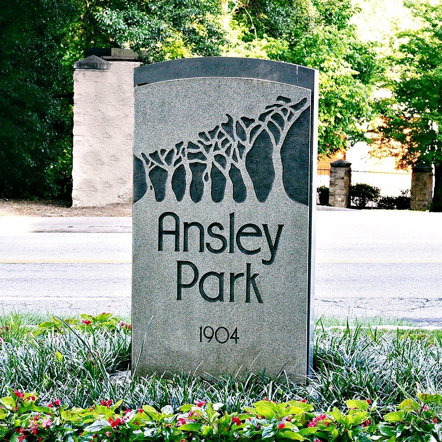 ANSLEY PARK   Ansley Park offers striking skyline views of Atlanta's vibrant Midtown Business District and large expanses of lush green parks, which are the hallmark of the garden community.
