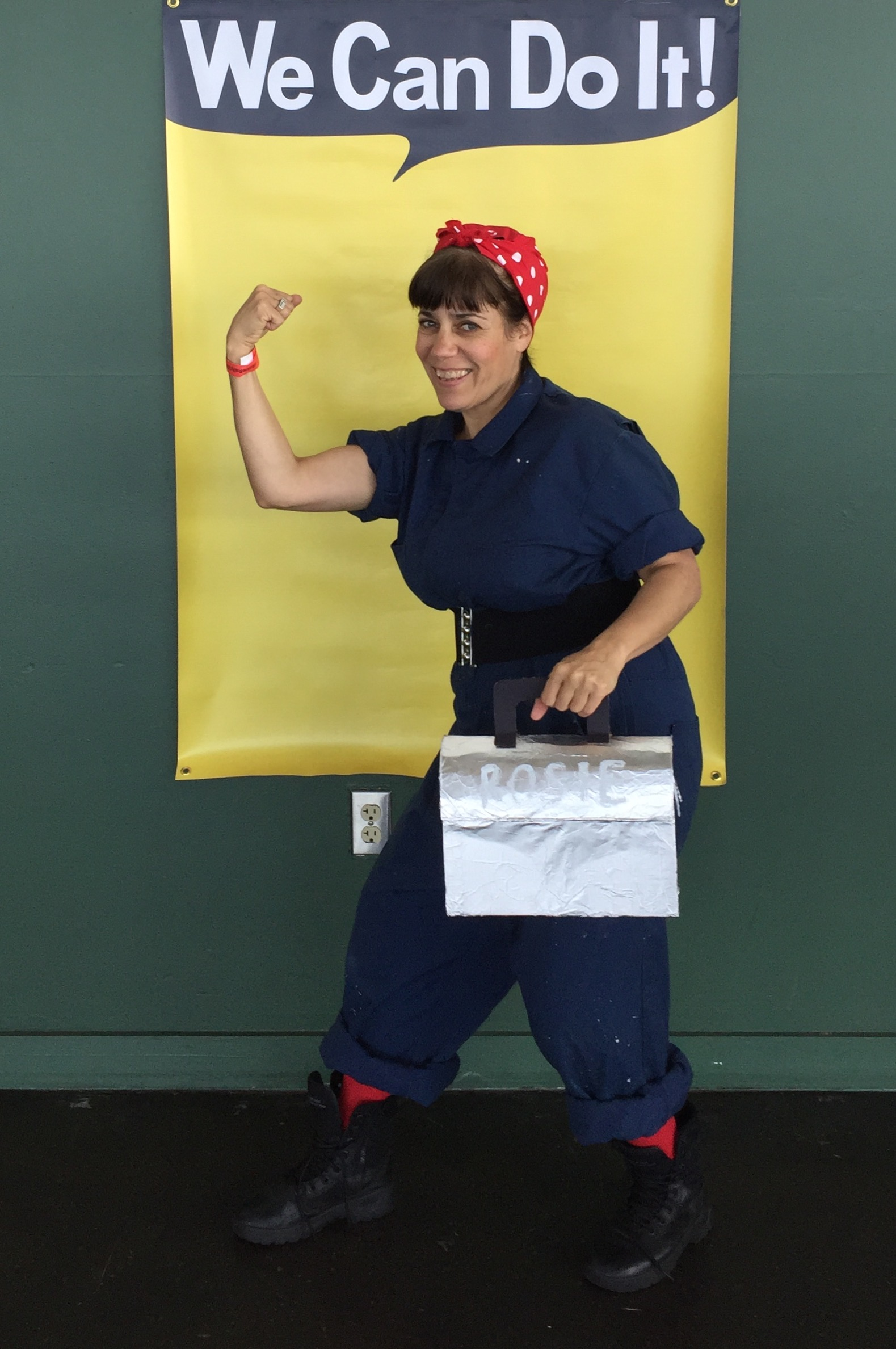 Rosie The Riveter Look a Like