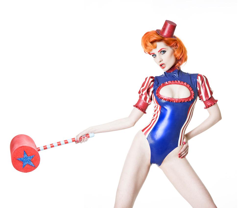 Latex cirque clown
