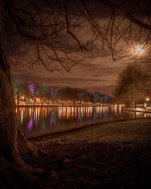 See the old landscapes through new eyes. . . . . . . . . #everglow #afterdark #agameoftones #bedford #citykillerz #theembankment #riverouse #depthobsessed #fatalframes #fatalframes10k #illgrammers #igersbedfordshire #leagueoflenses #longexposure #mg5k #moodygrams #nightphotography #nightphoto #night #picoftheday #potd #shotz_fired #trappingtones #sonya7iii #sonyalpha #visualambassadors #Bedfordshire