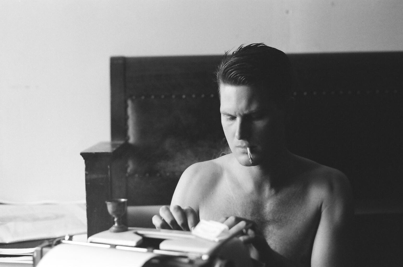 shirtless hi.jpg