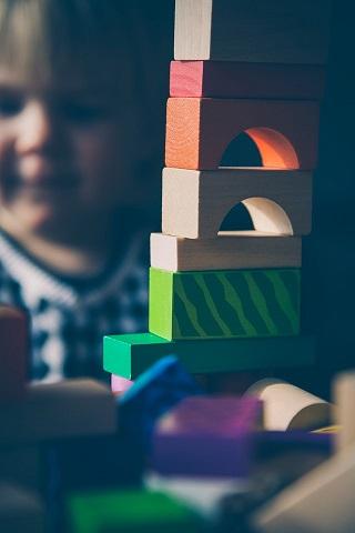kids playing with blocks.jpeg