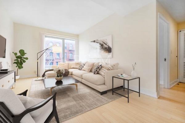 72 Stenben St, #3A - Clinton Hill | Brooklyn    1 Bedroom // 1 Bath Days on Market — 114 Sold Price:    $605,000