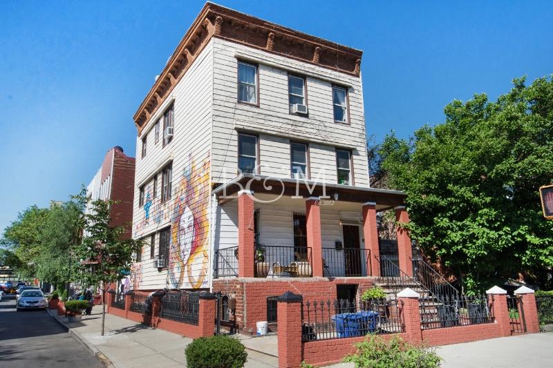 736 Bushwick Ave, House - Bushwick | Brooklyn    6 Bedroom // 4 Bath Days on Market — 33 Sold Price:    $1,550,000