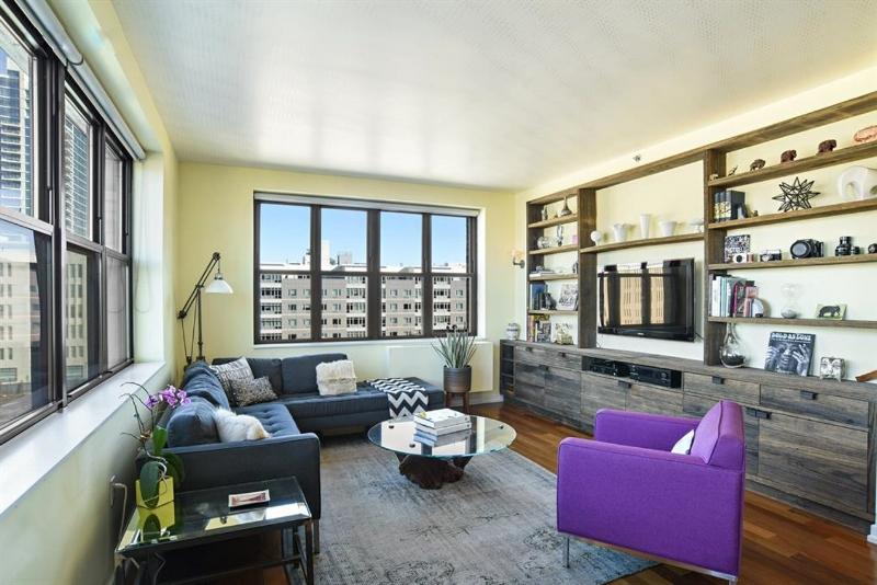 58 Metropolitan Ave, #5C - Williamsburg | Brooklyn    2 Bedroom // 2 Bath Days on Market — 43 Sold Price:    $1,850,000*
