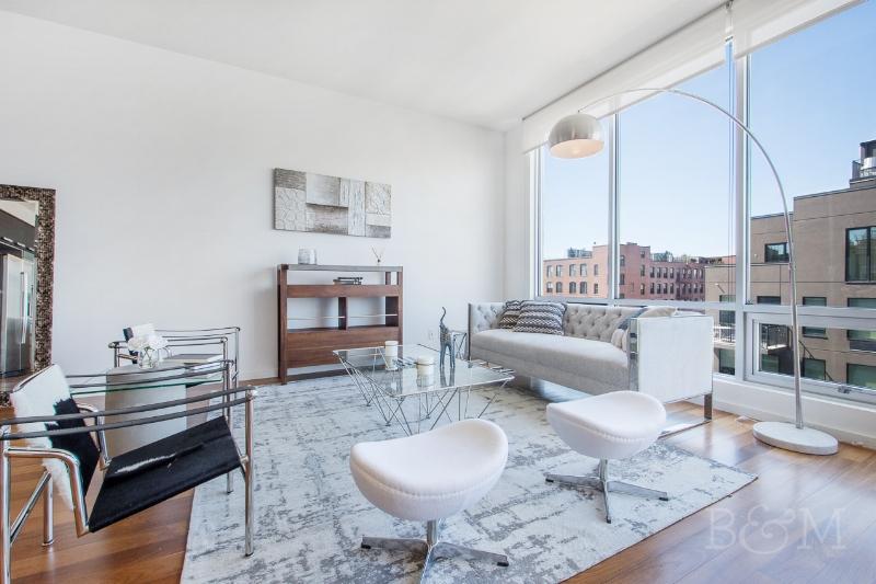 170 N11th St, #6D - Williamsburg | Brooklyn    2 Bedroom // 2 Bath Days on Market — 50 Sold Price:    $1,289,000