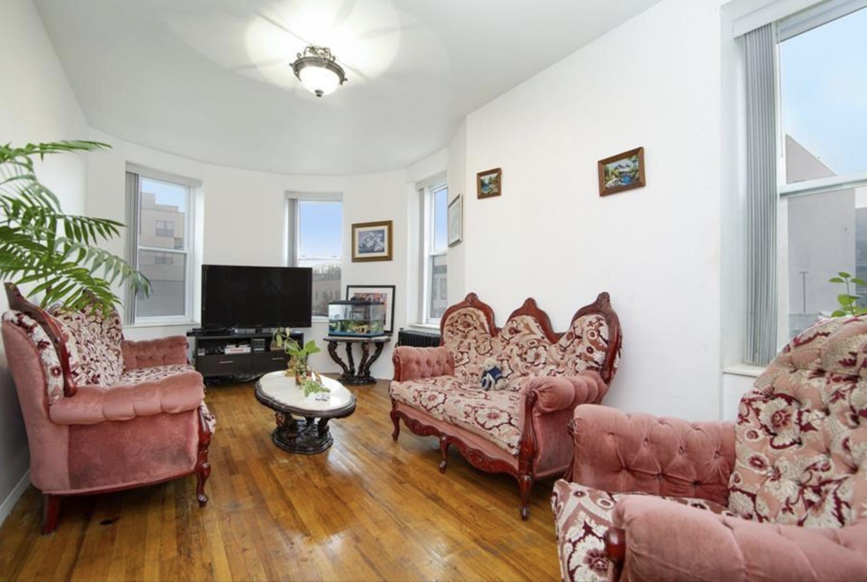 15 Kosciuszko St, #3A - Park Slope | Brooklyn    2 Bedroom // 1 Bath Days on Market — 50 Sold Price:    $629,000