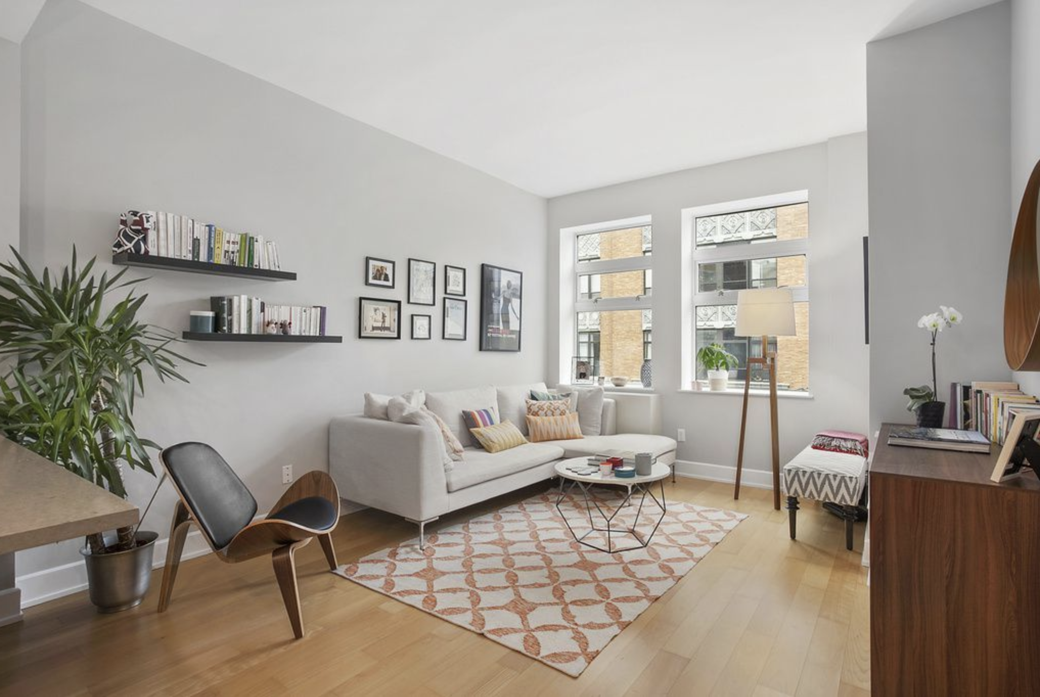 16 Monitor St, #3E - Williamsburg | Brooklyn    1 Bedroom // 1 Bath Days on Market — 15 Sold Date: August 2018 Sold Price:    $725,000