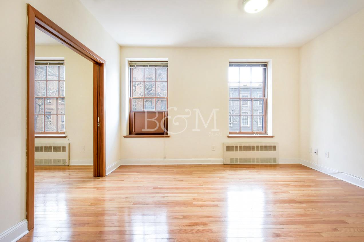 161 Columbia Heights, 3F - Brooklyn Heights | Brooklyn    1 Bedroom // 1 Bath Leased Price:    $2,900