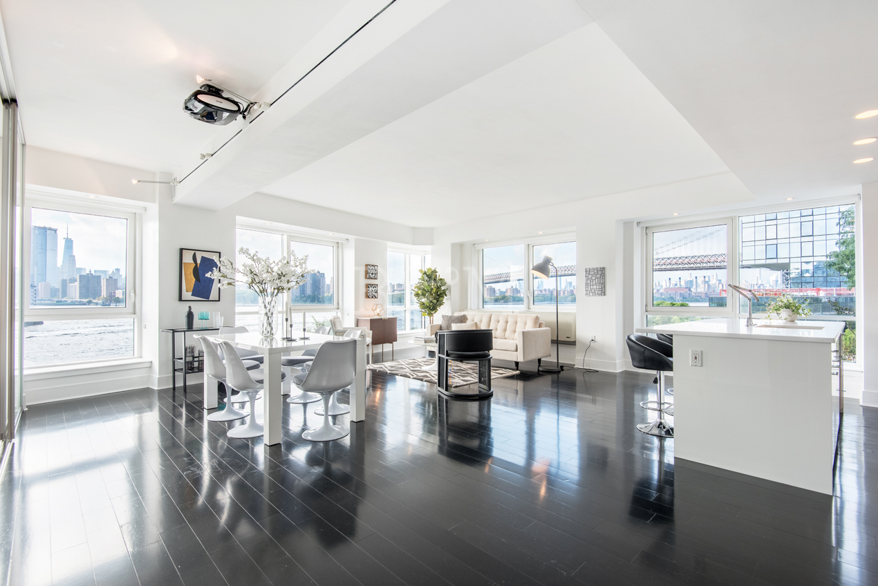 446 Kent Ave, #2A - Williamsburg | Brooklyn    3 Bedroom // 2 Bath Days on Market — 107 Sold Price:    $1,905,000