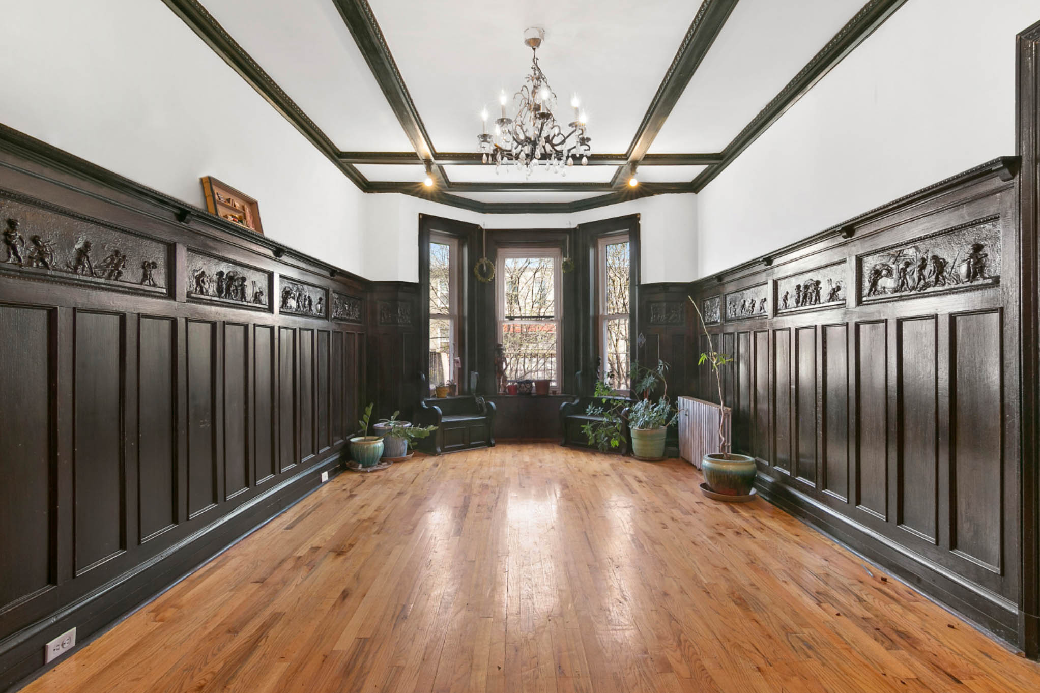 339 E25th Street - Flatbush | Brooklyn    4 Bedroom // 2 Bath Days on Market — 35 Sold Price:    $1,153,000*