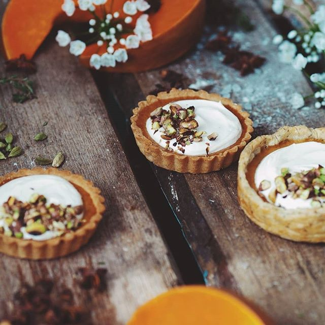 Let's fall back into Soulfood & Soundtracks. We're doing some restructuring and planning but we didn't forget about you family. Check out these treats from one of our guest chefs. #tuesdaytreats #fallintofall #tarts #pumpkineverything #prilaga #pastrypassion #fall #events #tuesdayvibes#blackbusinessconnect #pastryporn #family #tuesdaymood #fallinlove #instapastry #blackbusiness #blackbusinesswoman #community #laevents #tuesday #pumpkin #pumpkinspice #backtobusiness