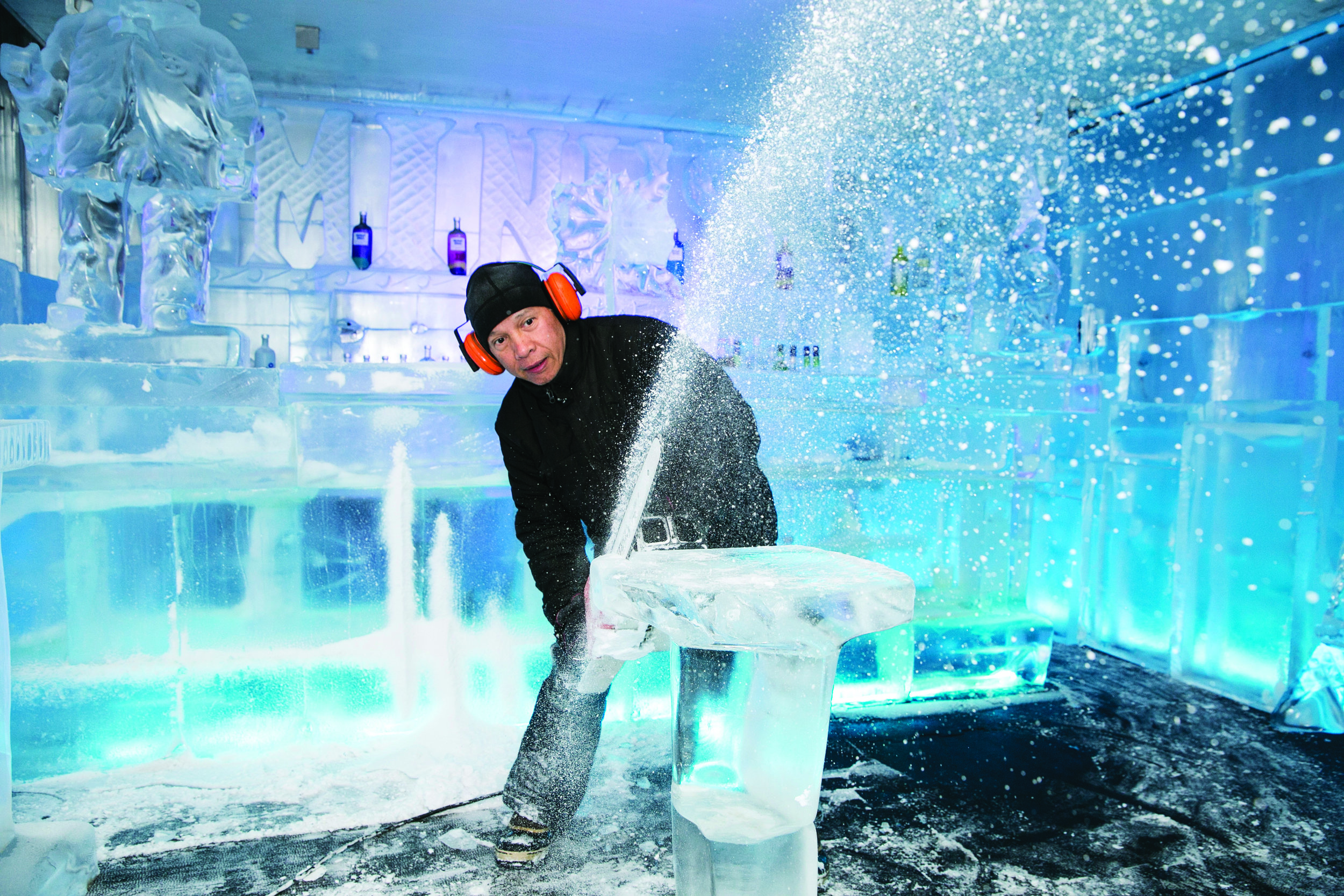 Ice Carving Performance -