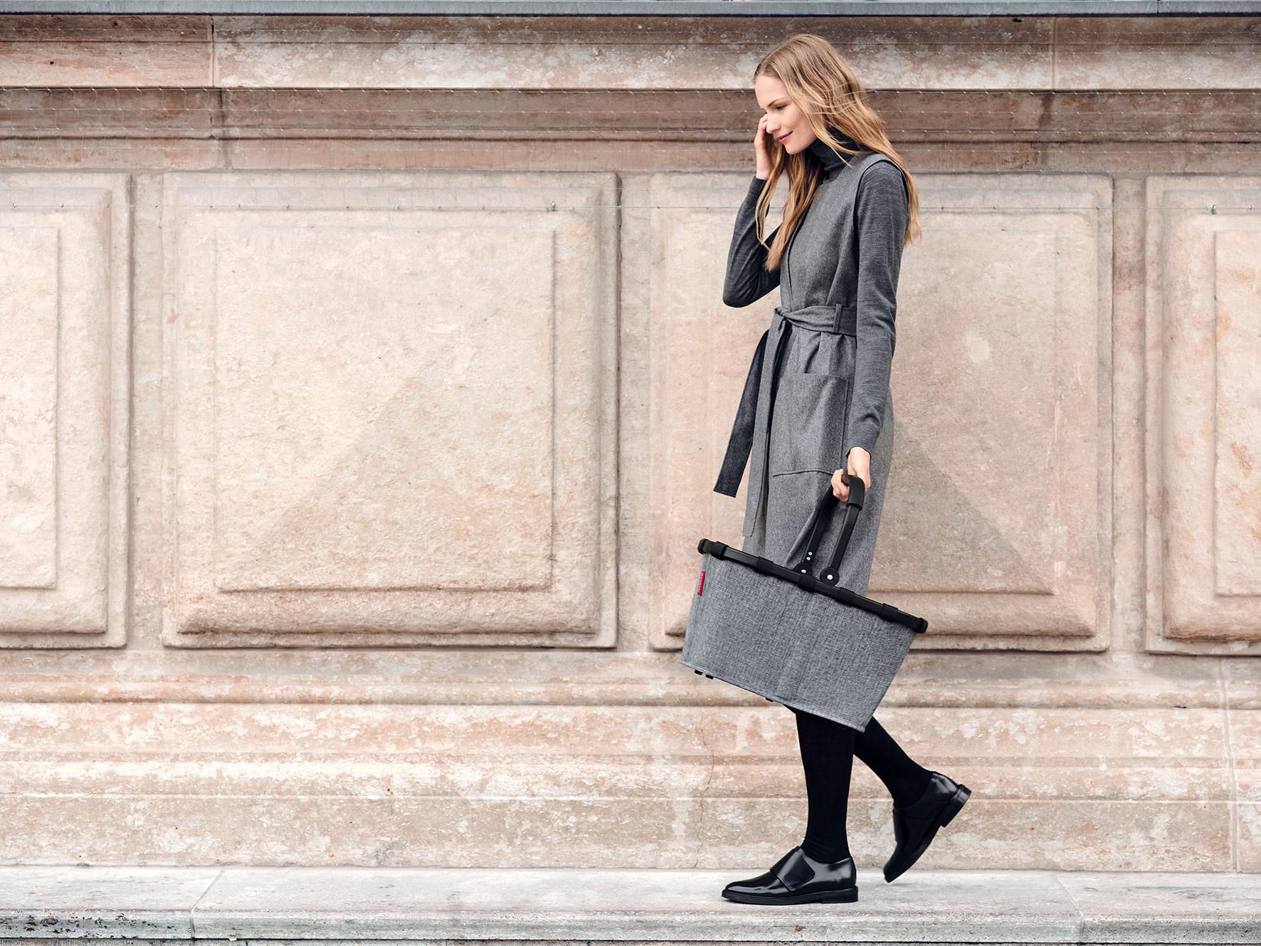 carrybag_twist-silver_reisenthel_Web_PE_02.jpg