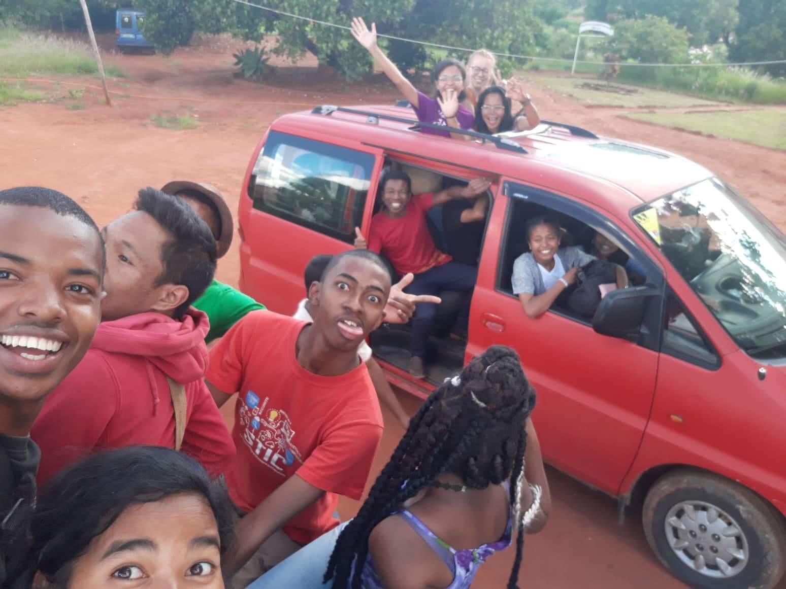 Er det en ting vi har lært i Madagaskar, så er det at det alltid er plass til en til.