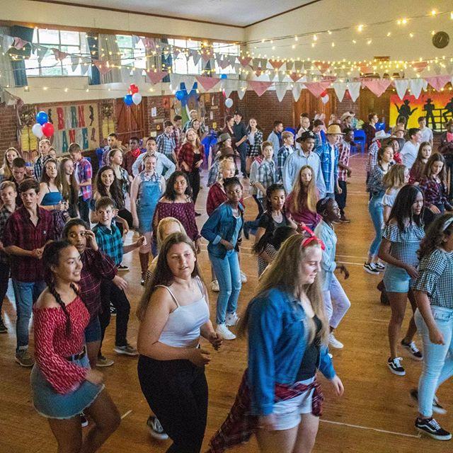 Wonderful photos from our annual Grd 7 dance at Kirstenhof Primary 🤠 #westernthemepartys#swingyourpartner#interactivefun#easydancing#funforallages#linedancing#cowboyboots#yeehaaah#birthdaypartyfun#corporateevents#fundraisingideas