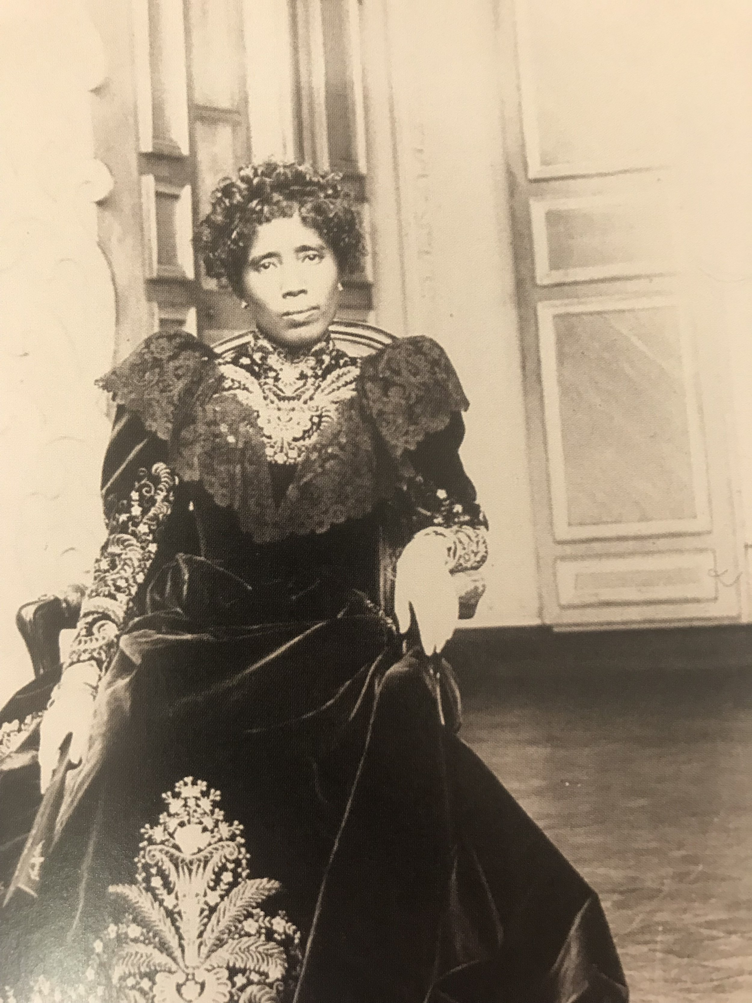 Ranavalona III - picture taken at the Madagascan exhibit of the Museum of the Quai Branly - unknown photographer