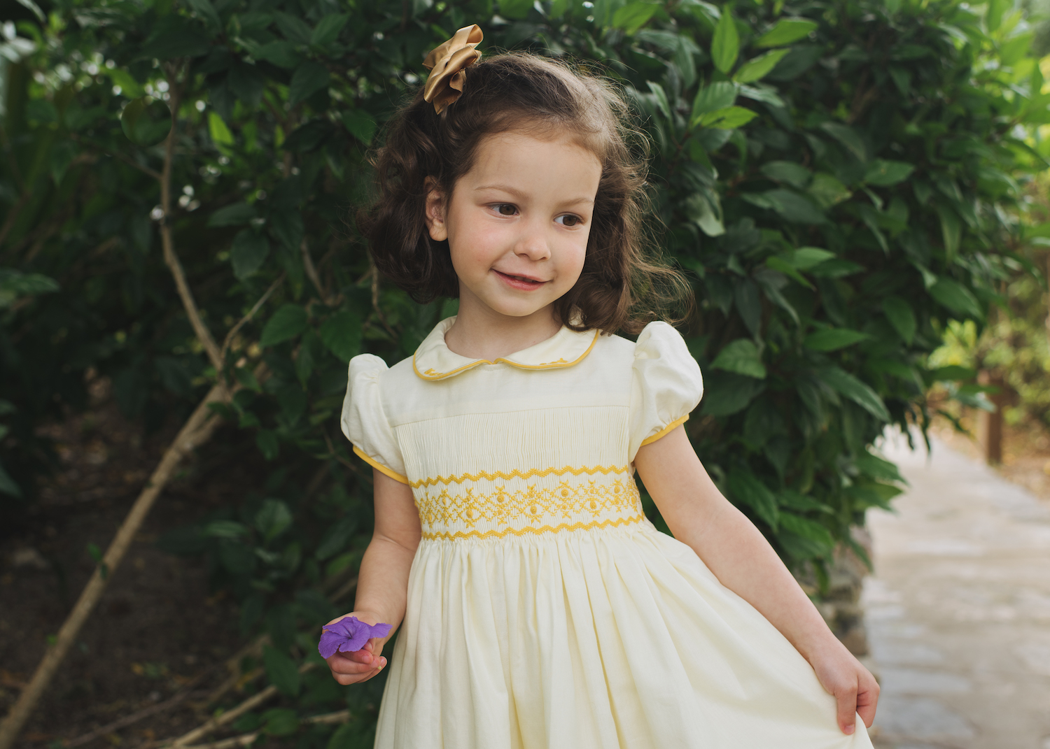 L'ile aux Fées - Parisian children boutique handmade classic chic smocked dresses