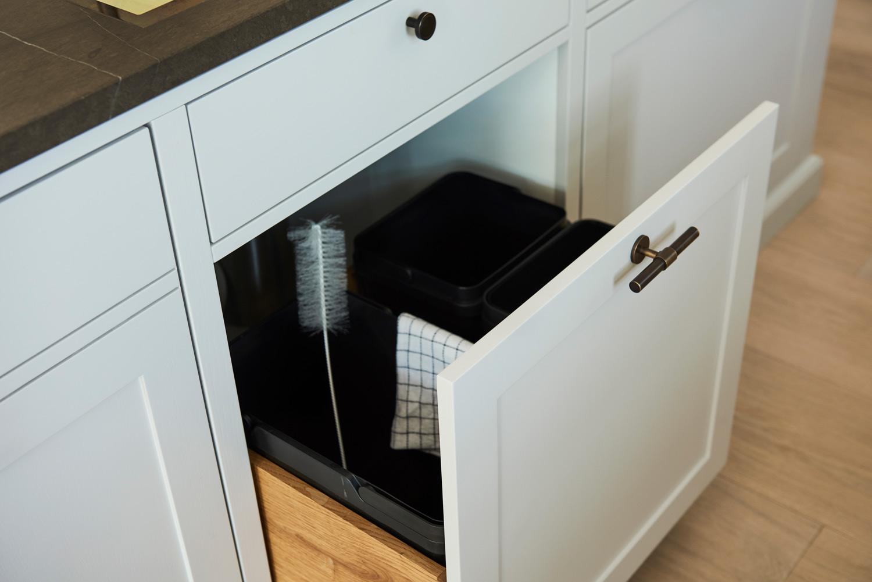 Affaldsskuffe indbygget i køkkenskuffe