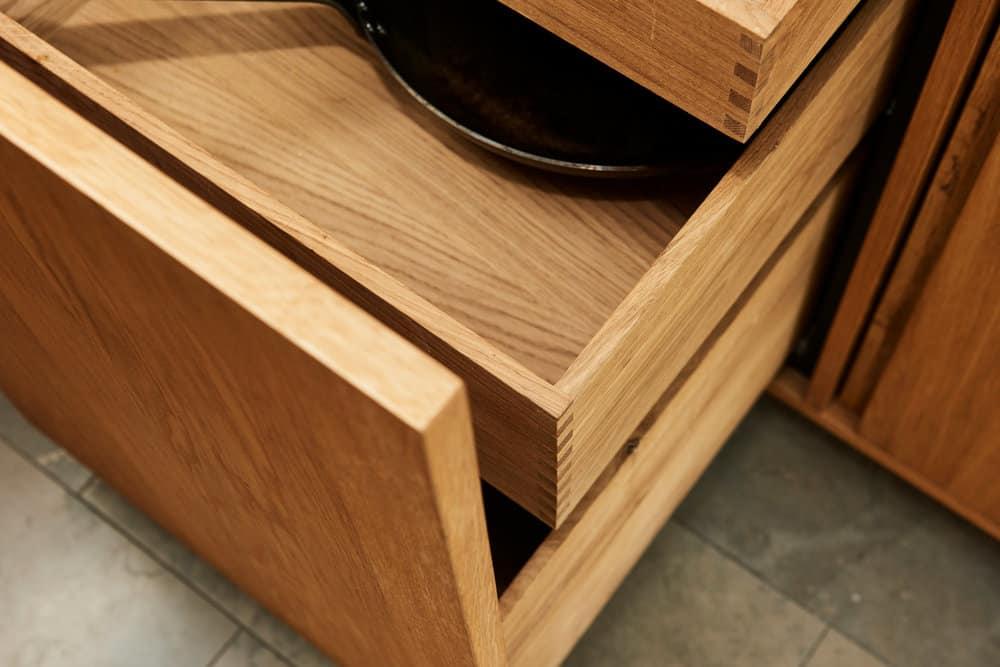 Handcrafted_interior_rum_kitchen_DSC4852a_web_4.jpg